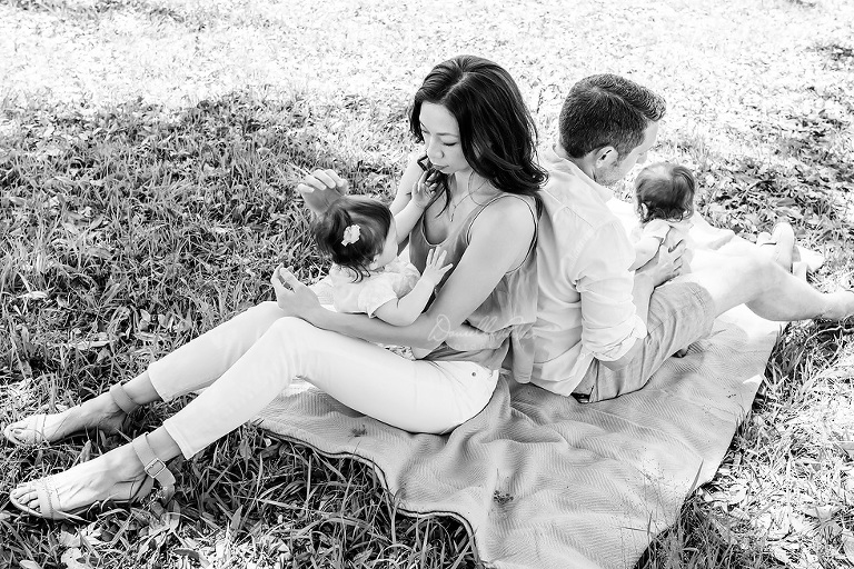 Black & White Outdoor Family Photo | Gulf Coast Family Photographer | Danielle Parker Photography