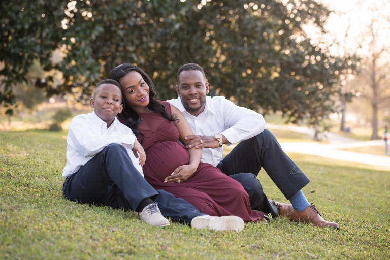 Outdoor Family Maternity Photo | Danielle Parker Photography | Mobile, AL